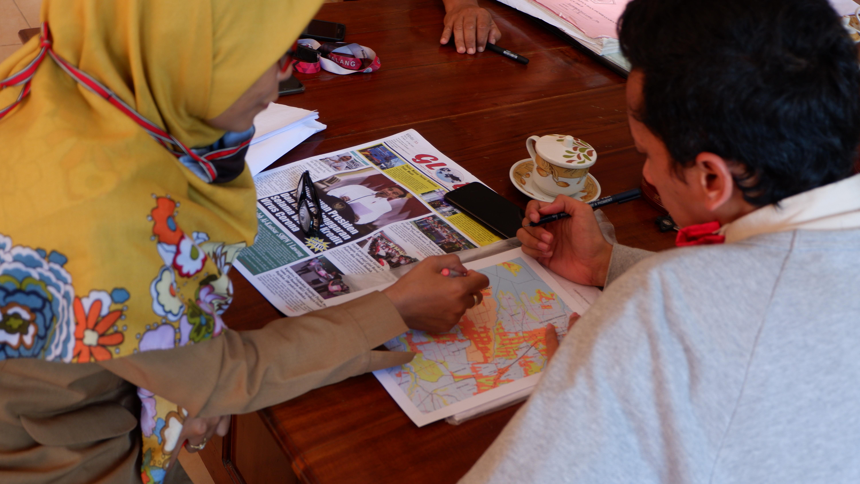 Survei lokasi dan validasi data dalam proses pembaruan peta administrasi dan pembuatan peta potensi wisata desa oleh mahasiswa KKN UM 2020 Desa Senggreng
